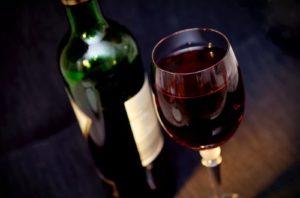 Resveratrol und Tannine im Rotwein helfen bei Herpes
